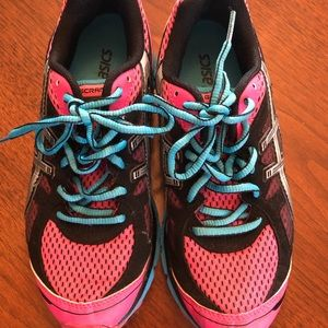 ASICS Sneakers. Size 5